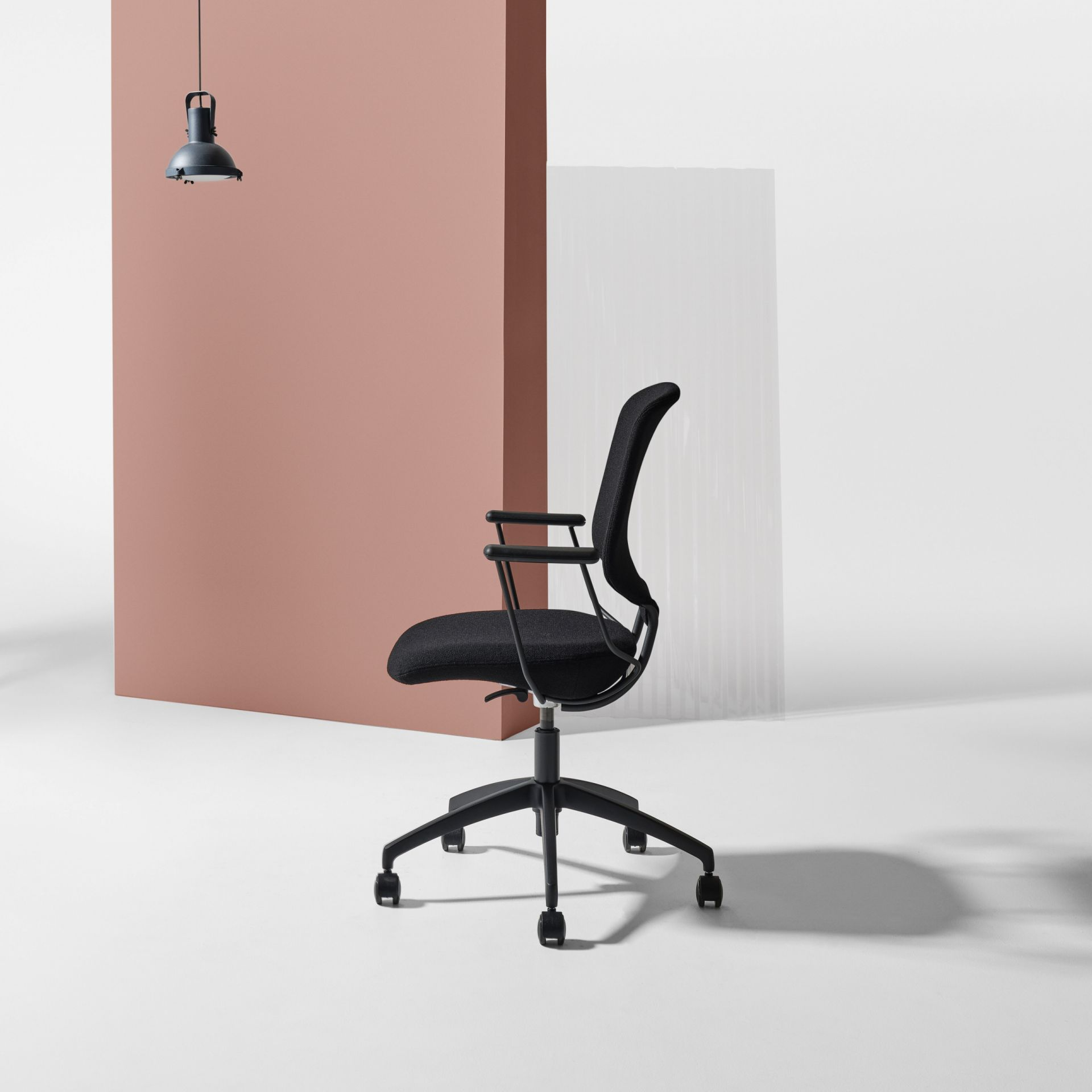 Savo Invite Invite meeting chair product image 2