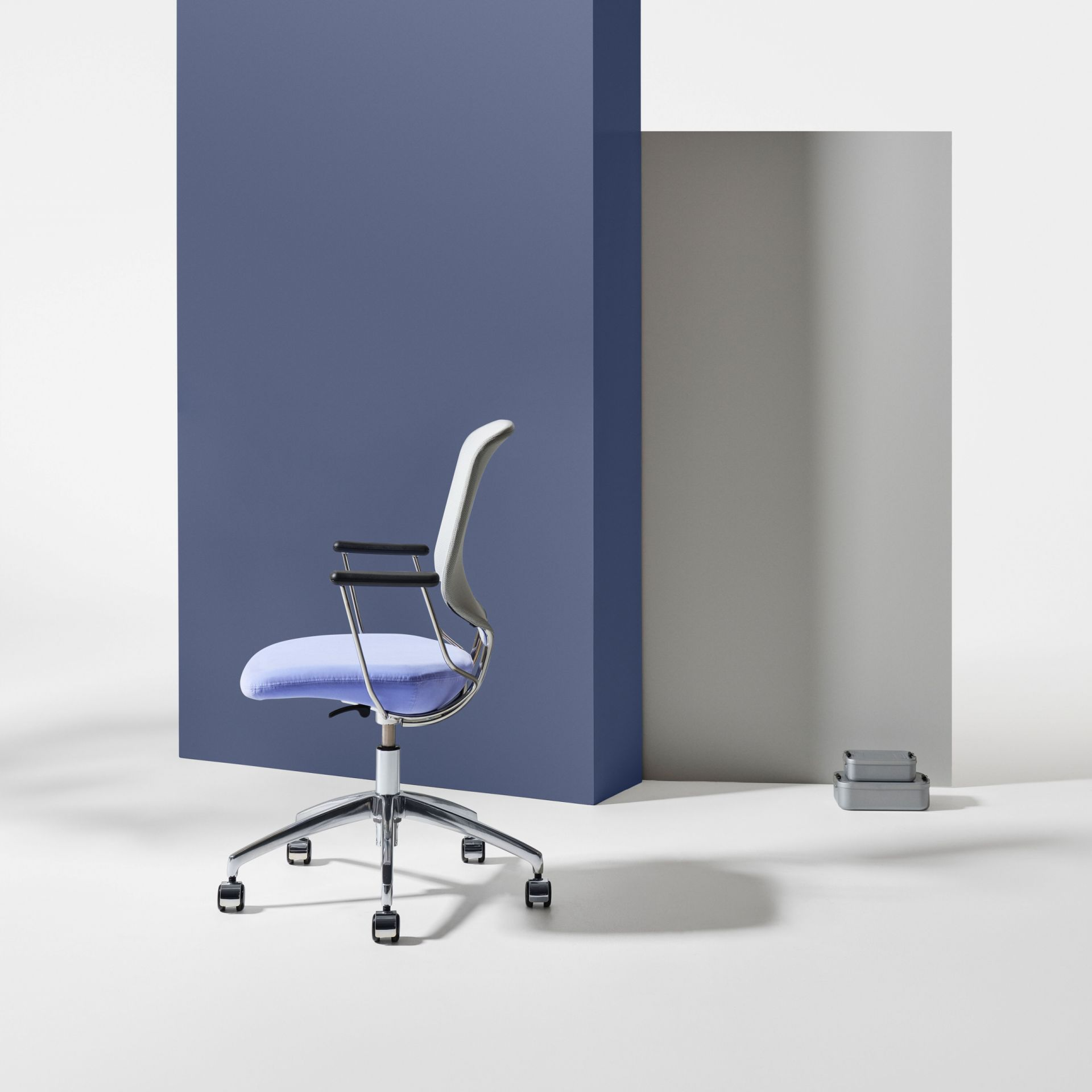 Savo Invite Invite meeting chair product image 4