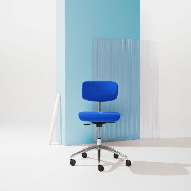 Savo Studio Studio meeting chair